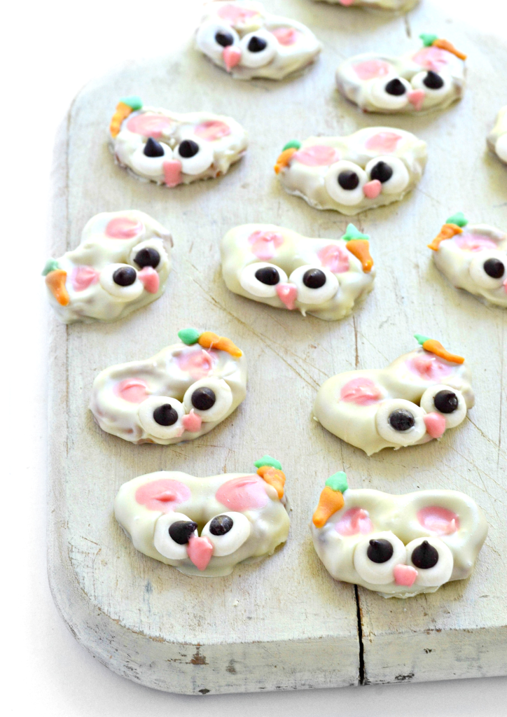 A gluten free pretzel dipped into vegan white chocolate makes these Easter Bunny Pretzels oh-so adorable!